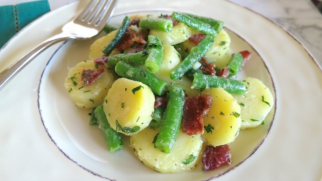 Potato Salad With Bacon, Egg, And Tarragon Dressing Recipe ...