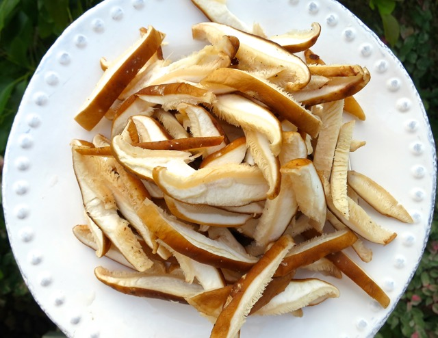 Sliced Shiitakes