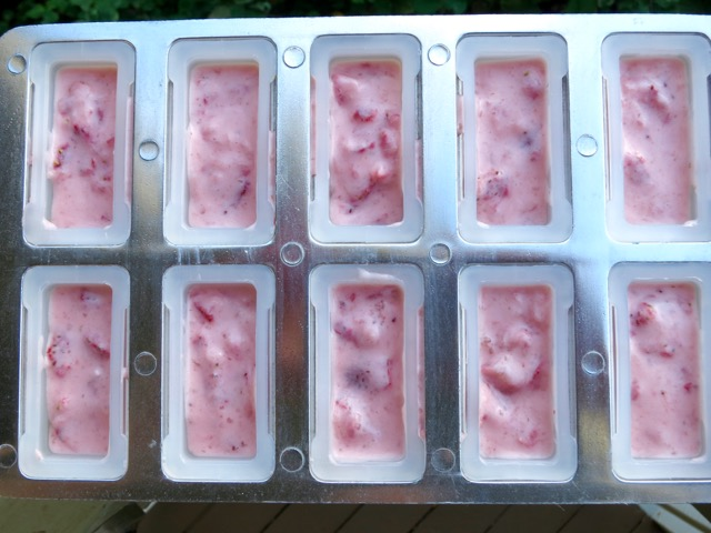 Strawberry Yogurt Mixture for Popsicles